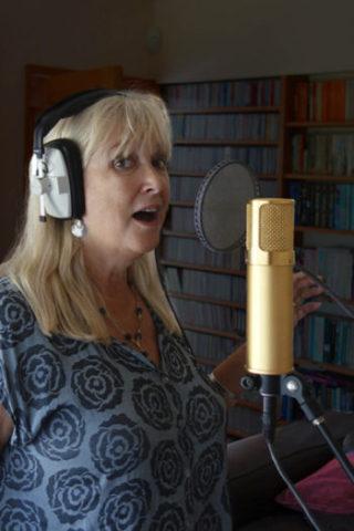 Jo singing 400 x 600